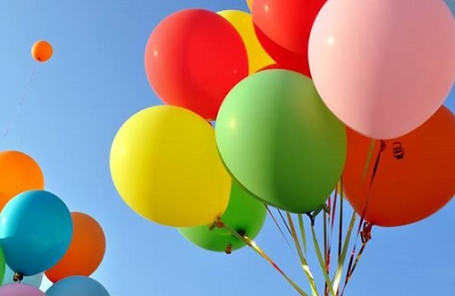 love-does-balloons 500x325
