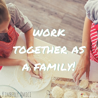 family-that-works-together-400x400